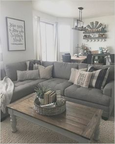 Keep up to date with the latest small living room decoration some ideas (chic modern). Find great methods for getting elegant design even if you have a small living room. Casual Living Rooms, Living Room Grey, Small Living Rooms, Home Living Room, Apartment Living, Living Room Designs, Tiny Living, Living Room Ideas For Townhouse, Living Room Ideas With Grey Couch