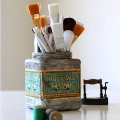 Plastic Tub to Faux Vintage Tin