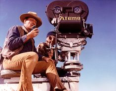 John_Wayne_the_alamo_1960.png ~ Here's THE DUKE Directing the ALAMO and also starring in it.