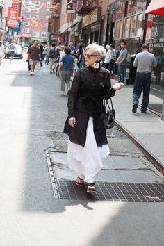 Accidental Icon: Wandering Woman, Lyn Slater, NYC