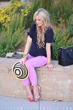 cute outfit and adorable hat. Love the ruffled sleeves on her top
