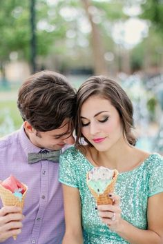 Engagement Shoot // Sequins & Style In Sunny Florida // Photographer - Alice Rose Photo. Mckenzie and Robert went on a playful tour of Winter Park, a charming suburban city in Orange County, Florida. Alice Rose Photo was on hand to capture the spirit of this darling duo and this pleasant and oh-so-pretty part of the world.