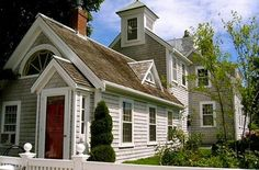East End Provincetown Cape Home, sleeps 8 for just $468/pp per week || 15 Summer House Rentals Less Than $500 a Week