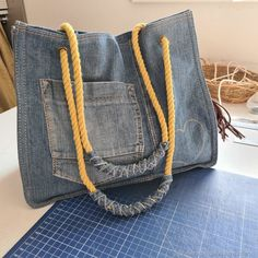 Denim Bag Patterns, Bag Patterns To Sew, Sewing Patterns, Sewing Projects For Beginners, Sewing Tutorials, How To Make Jeans, Denim Crafts, Recycled Denim, Go Shopping