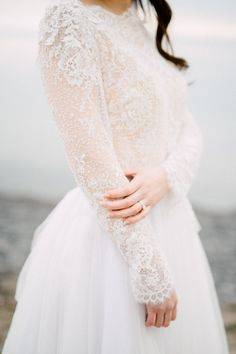 32 Winter Wedding Dresses Perfect For A Cold Day Long Sleeve wedding Dress - Winter Wedding Dresses Wedding Dress Winter, Wedding Dress Types, Modest Wedding, Winter Dresses, Stunning Wedding Dresses, Trendy Wedding, Dresses Uk, Party Dresses, Cold Wedding