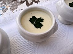 Crema de calabacín con almendras Olor a hierbabuena