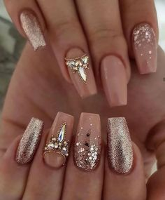 Ongles Bling Bling, Rhinestone Nails, Nagellack Design, Nagellack Trends, Best Nail Art Designs, Acrylic Nail Designs, Acrylic Nails, Perfect Nails, Gorgeous Nails