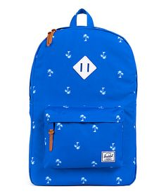 With the Herschel Supply Heritage resort and white rubber 21L backpack you get a dependable pack with stand out looks. Grab the blue colorway with an all-over white palm tree print with air mesh ventilated padded shoulder straps to improve comfort of the