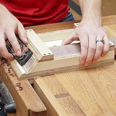 Miter Shooting Board Woodworking Plan, Workshop & Jigs Jigs & Fixtures Workshop & Jigs $3 Shop Plans #WoodworkingPlansWorkbench