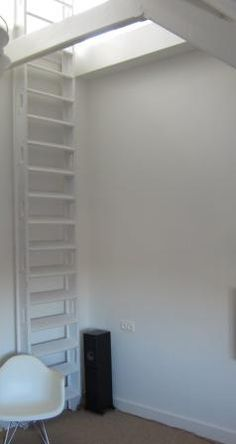 Zolder on pinterest attic closet wands and attic bedrooms - Kleine ruimte ontwikkeling m ...