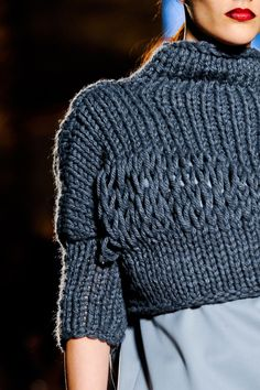 knit fashion Next Generation Fall 2014 - Details Knitwear Fashion, Crochet Fashion, Moda Crochet, Knit Crochet, Knitting Yarn, Hand Knitting, Crochet Capas, Knitting Designs, Mode Inspiration