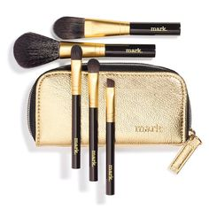Whether you're off to a major Maui vacay or simply to your workday, this travel-size kit holds essential brushes for making up or touching up. KIT COMPONENTS• Foundation brush• Concealer brush• Eyeliner (angled) brush• Eye shadow brush• Blush brushFEATURES • Shiny gold case with black zipper fabric (zipper teeth are gold)• Zipper has a gold pull-tab• mark. is embossed on the bottom right of the case• Case has black lining inside• B...