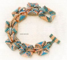 Bead bracelet, how to make a beaded bracelet scheme Seed Bead Jewelry, Bead Jewellery, Beaded Jewelry, Beaded Necklace, Beaded Bracelets, Lotus Necklace, Beaded Bead, Necklaces, Jewelry Patterns
