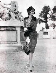 Chanel. Marie-Helene Arnaud. (skirt length)