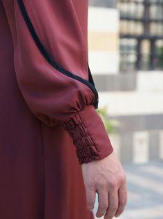 Niqab Fashion, Muslim Fashion, Fashion Wear, Fashion Outfits, Sleeves Designs For Dresses, Dress Neck Designs, Stylish Dress Designs, Mode Abaya, Abaya Designs