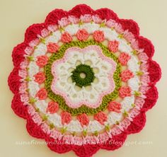 First Ta-dah moment : Maybelle Flower Mandala Pattern I am beyond excited . I am posting a pattern of my own creation! Crochet Mandala Pattern, Crochet Flower Patterns, Crochet Squares, Crochet Flowers, Granny Squares, Crochet Home, Cute Crochet, Crochet Crafts, Crochet Projects