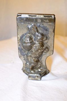 ANTIQUE VINTAGE EMERICKS BUNNY RABBIT CHOCOLATE MOLD.