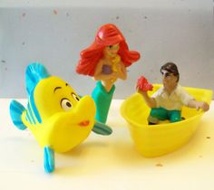 Vintage McDonalds Toy 1989 Disneys Little Mermaid toys: Ariel, Eric, Flounder, with a Little Boat - 4 pieces Little Mermaid Toys, Disney Little Mermaids, 90s Childhood, Childhood Memories, Mcdonalds Toys, Bff, 90s Toys, 80s Kids, Disney Toys