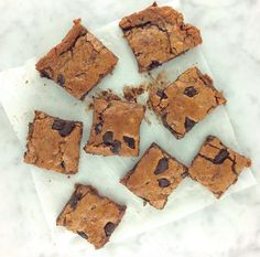 Almond Butter + Chocolate Chunk Cookie Bars | What Annie's Eating