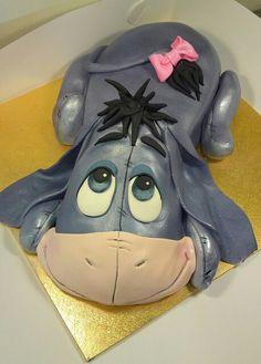 amazing cute Eeyore Cake