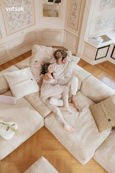 Some people decide to go the hard way, with vetsak sofa we want to go in the most comfortable way possible. Cozy Living Rooms, Home Living Room, Living Room Decor, Cool Room Designs, Living Room Designs, Decoration Inspiration, Room Inspiration, Home Decoration, Wedding Decoration