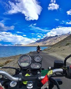 Himalayan Royal Enfield, Womens Motorcycle Helmets, Motorcycle Girls, Road Trip Quotes, Ducati Monster Custom, Touring Bike, Insta Photo Ideas, Travel Destinations, Travel Photography