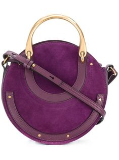 CHLOÉ Purple Leather Handbag . #chloé #bags #shoulderbags #crossbody #leather #couture