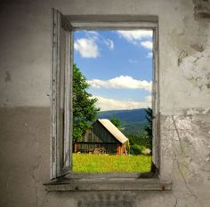 Tagovi: modern window, old window, glass, broken window, sky, nature, window