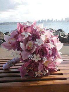 Ramos artificiales para novias románticas