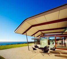 Outdoor Living Beach House on Australia Coast ... read more modern-house-designs