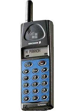 2. Ericsson GA318. No recuerdo lo que me costó. Éste ya era movistar y el tamaño era sensiblemente más pequeño, pero aún así tenía un grosor considerable. Old Phone, Walkie Talkie, Smartphone
