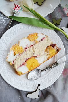Unser Mehlspeisentraum! Kardinalschnitte Austrian Recipes, Austrian Food, Candy Shop, How To Make Chocolate, Cake Batter, Bakery, Recipies, Cheesecake, Coconut