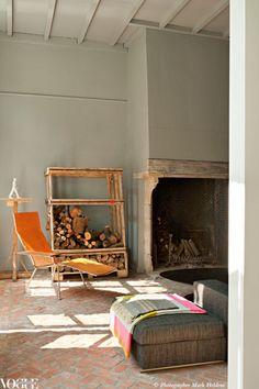 love outdoor lounge chairs inside (@HopeJstone)