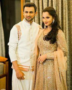 Sania Mirza with hubby Shoaib Malik Beautiful Wife, Beautiful Couple, Shoaib Malik, Cricket Wallpapers, Hard Working Man, Pakistani Bridal Wear, King Queen, Muhammad Ali, Actors