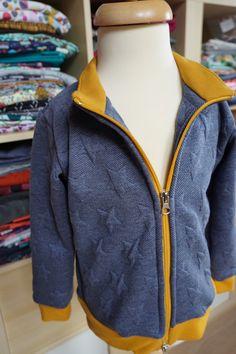 Jak ušít dětskou mikinu na zip - návod (FOREST) - Prošikulky. Hooded Jacket, Athletic, Zip, Jackets, Fashion, Jacket With Hoodie, Down Jackets, Moda, Athlete