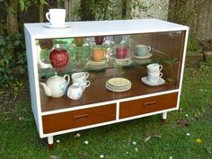 DIY retro display cabinet make over by hollymayb.