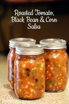 Roasted Tomato, Black Bean and Corn Salsa - Amazing salsa recipe! Roasted Tomato, Black Bean and Corn Salsa: Easy to Can Recipe - Salsa Canning Recipes, Canning Salsa, Pressure Canning Recipes, Black Bean Salsa Canning Recipe, Canning Tips, Canning Corn, Pressure Cooking, Corn Salsa Recipes, Salsa Recipe For Freezing
