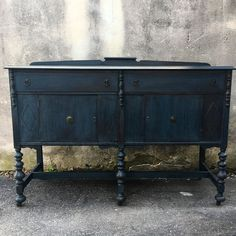 Playing with #milkpaint yesterday on this set of #turnedleg buffet and sideboard  More of a stain than a paint this gorgeous color is called #artissimo .. and this set is a #bohemian dream  #availablenow at #eastcotedevon ... all 3 Eastcotes are Open today!! #bohochic #furniture #bohostyle #reimagined #vintagefurniture #workingfurnitureshop #paintedfurniture #uniqueshopping #eastcotelane #worKS #westendgarage #devonpa #kennettsquarepa #capemaynj