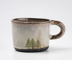 Julia Smith lives in Scotland and makes pots. Throwing and shaping by hand. She is directly inspired by the natural landscape around her.) glaze and raw clay(? Pottery Mugs, Ceramic Pottery, Painted Pottery, Slab Pottery, Thrown Pottery, Pottery Wheel, Ceramic Cups, Ceramic Art, Julia Smith