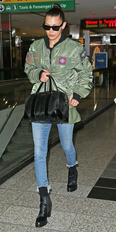100 Celebrity-Inspired Outfits to Wear on a Plane  planeoutfitairportstyle  Modern Muse 0ae237edd