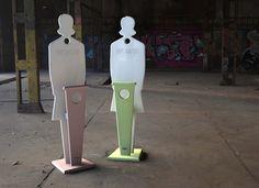 """VALDEK Woman - Valet de chambre adulte. """"J'ai créé VALDEK® Woman pour rendre aux chaises et fauteuils de nos chambres à coucher leur usage initial et les désencombrer des vêtements qui s'entassent. VALDEK® Woman est aussi efficace qu'un vrai valet car il cumule..."""" - See more at: http://www.designbyjfgemmrich.com/content/fr/produits/valet-de-chambre-valdek-woman.htm#sthash.Zsn2WIOf.dpuf"""