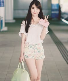 Dresses We've taken the stress out of finding the perfect korean fashion dress, so you can focus on getting excited for your big day. Korean Fashion Dress, Kpop Fashion, Asian Fashion, Fashion Dresses, Womens Fashion, Airport Fashion, Fashion Black, Korean Beauty, Asian Beauty