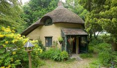 If walls could talk: Dorset's fairytale thatched cottage containing secrets of famous love affairs for sale for £420k