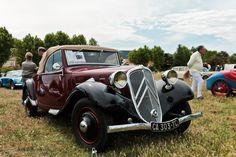 #Citroën #Traction #Cabriolet au #Retrocoeur à #Martigues. #MoteuràSouvenirs Reportage : http://newsdanciennes.com/2016/06/01/retrocoeur-2016-retour-reussite/ #ClassicCar #Voitures #Anciennes
