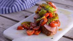 Receta | Sashimi de bonito del norte con vinagreta templada de tomates secos, románticos, jengibre y pulpa de higos - canalcocina.es