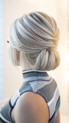 Hair Up Styles, Medium Hair Styles, Elegant Hairstyles, Bride Hairstyles, Hair Videos, Hair Makeup, Hair Cuts, Hair Beauty, Party Hairstyle