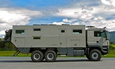 Mobil Globecrusier 7500 Family: Off-road luxury camper for global cruisers Overland Truck, Overland Trailer, Expedition Vehicle, Off Road Camper, Truck Camper, Motorcycle Camping, Camping Gear, Luxury Campers, Luxury Rv