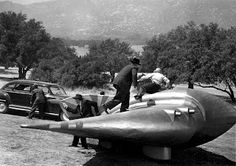 Flying Disc Man from Mars,1950 - I'm not certain if this is a spaceship, but it looks very cool.