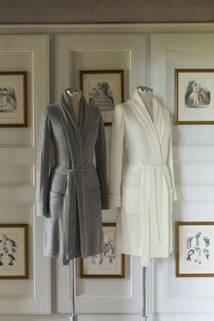 An outstanding choice for gift giving, or for your own personal indulgence, our pure cashmere Ananda Robe is the height of luxury leisure.
