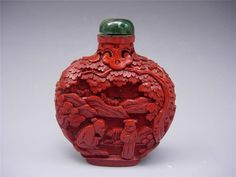 NICE ANTIQUE CHINESE CARVED CINNABAR LACQUER SNUFF BOTTLE & STOPPER